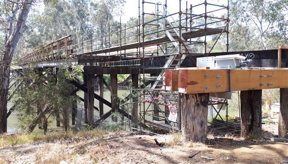 Old Goulburn River Bridge works