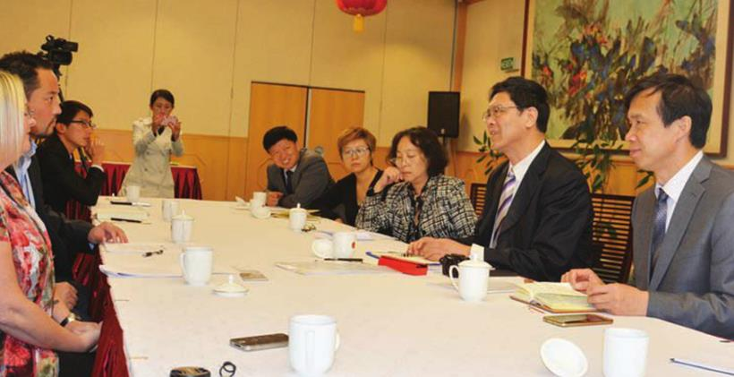 Xinjiang Cultural Exchange Delegation meeting with the Office of Ethnic Communities