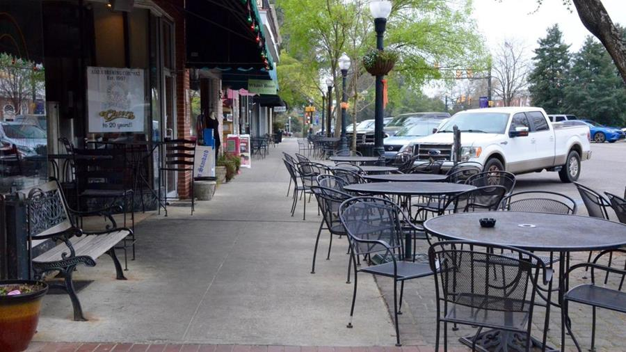 Small businesses are at the greatest risk for COVID-19 related lawsuits, a new study shows.