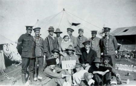 Photo by Anne Donald from the AWM collection:
