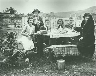A group enjoys a picnic at Port Arthur, circa 1938