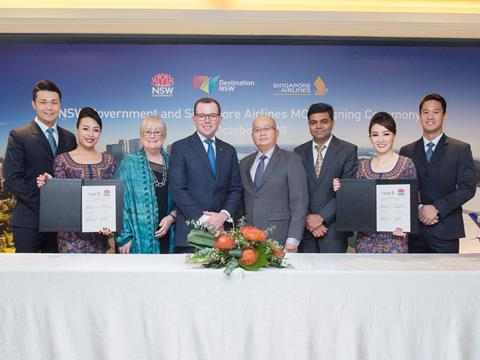 Minister Marshall (centre left) and Singapore Airlines' Senior Vice President Customer Experience, Yeoh Phee Teik (centre right) at the MoU signing.