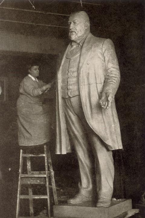 Statue of Thomas Beck being created