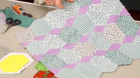 Using the EZ Quilting Long Hexagon Shape with Jennie Rayment