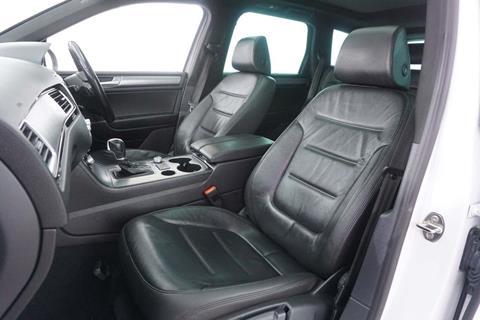2015 VW Touareg (Interior)