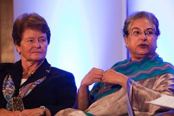 Gro Brundtland and Hina Jilani in London
